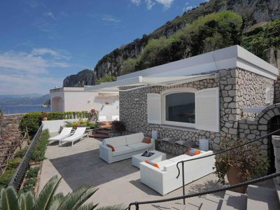 House with terrace overlooking the sea a few minutes from the Piazzetta