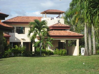 Exclusive Luxury Single Family Home Hermosa Palms