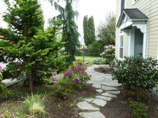 Bremerton apartment photo - Front of building with nicely landscaped yard