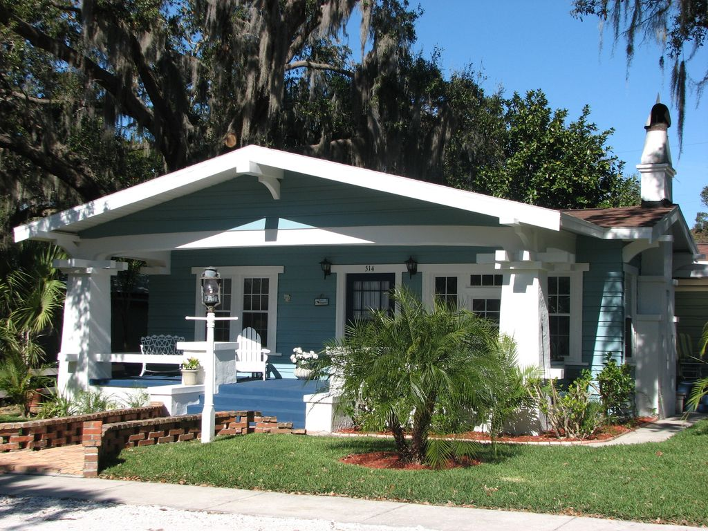Charming deceptively spacious original fisherman 39 s for Beach front cottage