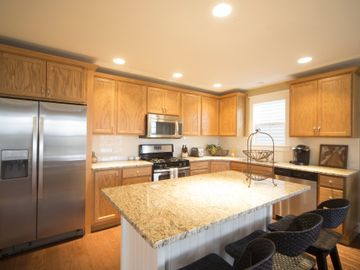 St. Joseph house rental - Modern Kitchen