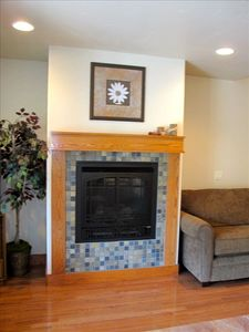 Gas fireplace to cozy up to!