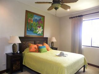 Playa Flamingo townhome photo - Guest bedroom, queen bed with ensuite bath