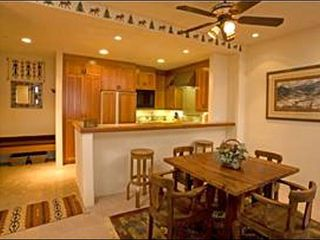 Mountain Village condo photo - Dining Area with Room for 4 at the Table and 2 at the Bar