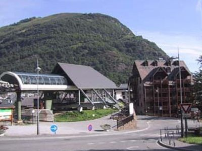 Apartment in downtown Luchon at the foot of superbagnères gondola