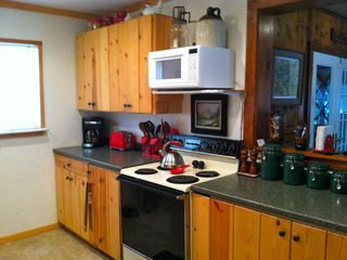 Black Hawk cabin photo - Plenty of cooking supplies in the kitchen.