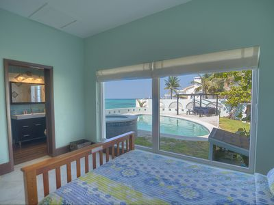 2nd bedroom facing the pool and the ocean