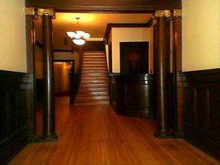 Pasadena studio photo - Beautiful Entry Way