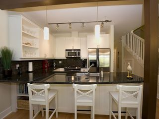 Parksville townhome photo - Fully equipped Kitchen with Breakfast bar