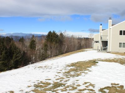 Upstairs end unit with Presidential Range to the north