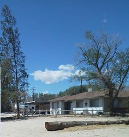 Lake Isabella farmhouse rental - Ranch house with blue skies every day. Inyokern gets more sun than anywhere...