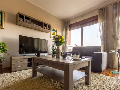 Deluxe 2BR Apt With Parking & City View (119m2)