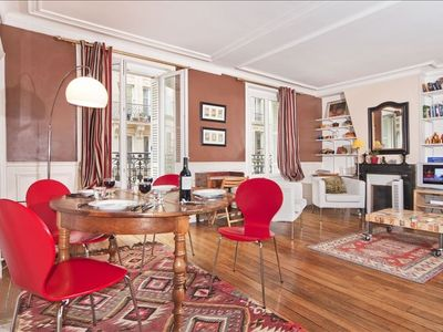 5th Arrondissement Latin Quarter apartment rental - Main living area with dining table