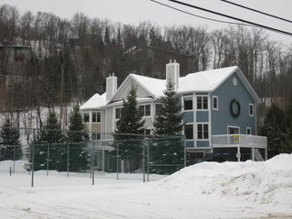 Mont Tremblant townhome photo - townhouse complexe 3 bedroom end unit