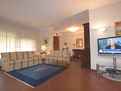 A Villa Romano will find peace and comfort a step away from the city
