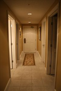 Beautiful Inviting Entry Way