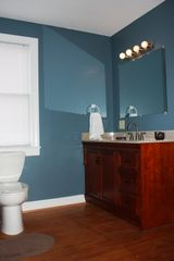 Harpers Ferry house photo - Downstairs full bathroom