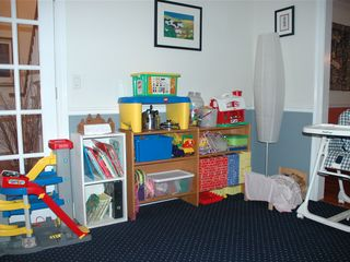 Waterbury Center villa photo - Your kids may never step out of this PLAYROOM stocked with toys, books & games.