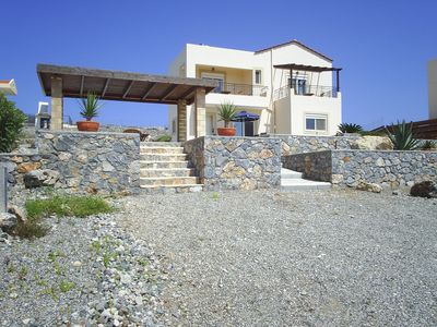 Detached Villa in spacious private grounds