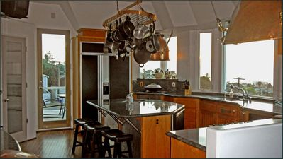 Fabulous Gourmet Kitchen, Wolfe Range, Wok, SubZero,2 Ovens, Nautical Fixtures