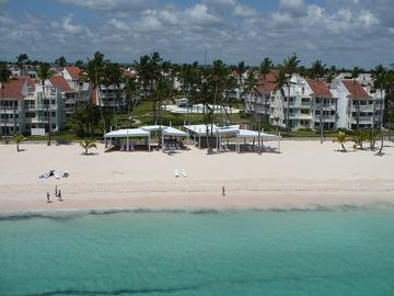 Punta Cana condo rental - Wide quiet beach and turquoise water
