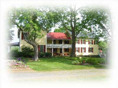 Upscale Three Bedroom Guest House on Historic Linden Hall Farm