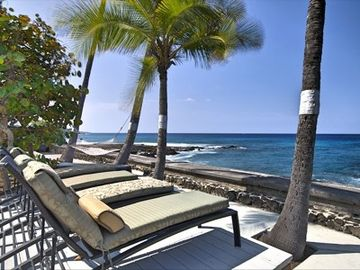 Kohala Estates house rental - Relaxing on your private patio.
