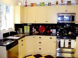 Bar Harbor cottage photo - Fully Stocked Retro Kitchen, Granite Countertop,