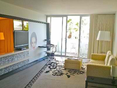 "Miami Beach apartment rental - Living Room with 42"" TV and Desk"