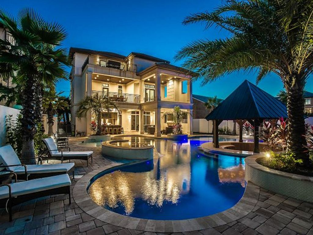 As sweet as possible gulf view luxury 8 bdrm vrbo for Large beach house