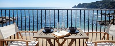 Apartment located in the center of Calella de Palafrugell in front of Les Voltes Beach ,wi