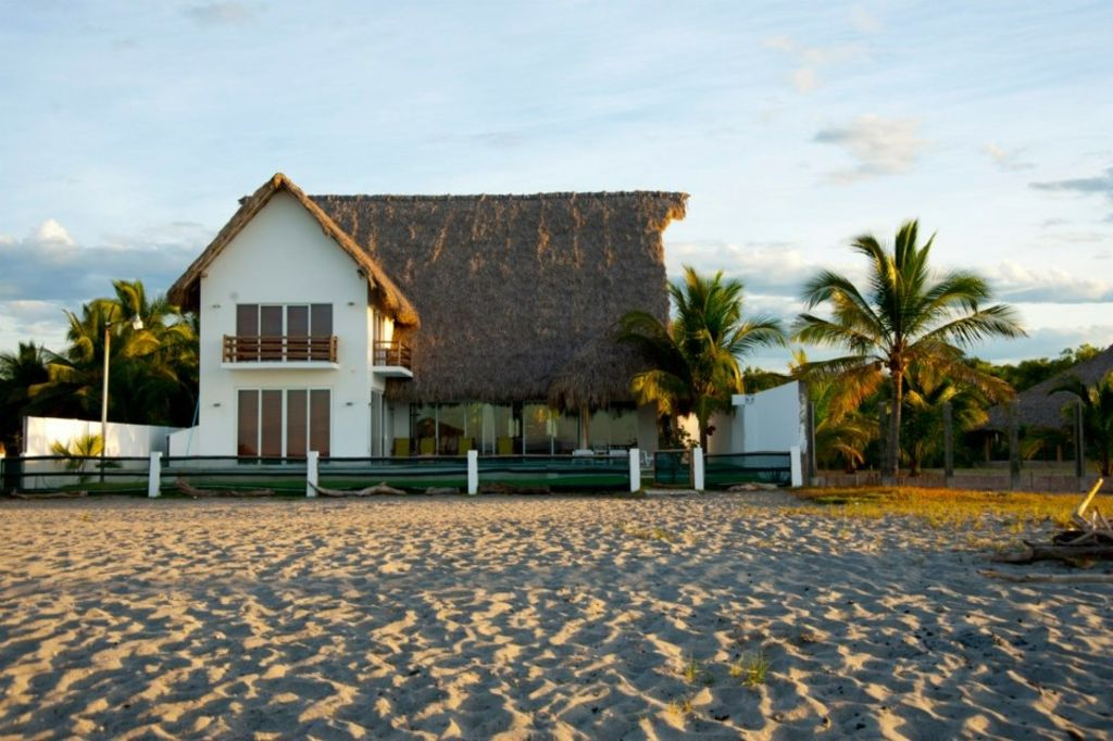 The ultimate dream beach house homeaway la libertad for Dream beach house