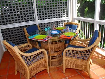 For al fresco dining, the screened porch seats 4-6 in bug-free comfort.