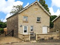 CHAPEL COTTAGE, pet friendly in Hutton-Le-Hole, Ref 17677