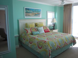 Fort Walton Beach condo photo - Master bedroom with king bed and memory foam mattress.