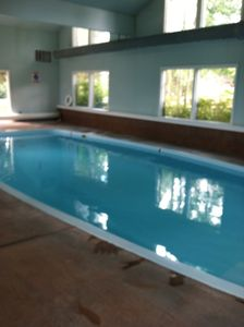 Dillon condo rental - Separate clubhouse has two hot tubs, pool ad shower room.