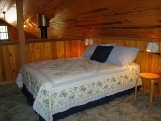 Eagle Mountain Lake house photo - The full size bed in the loft