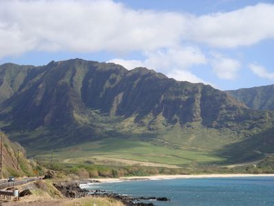 Makaha condo rental - Beautiful majestic mountains near our condo