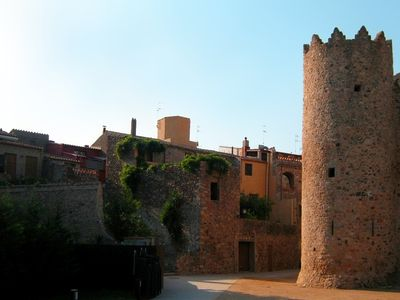 Calonge villa rental - The medieval town of Calonge, full of history
