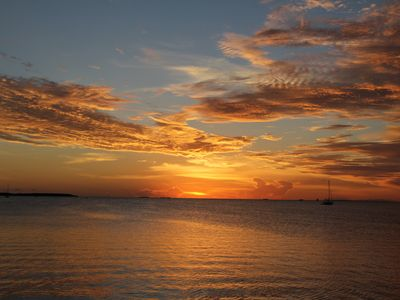 Islamorada condo rental - An average Islamorada sunset seen from our marina.
