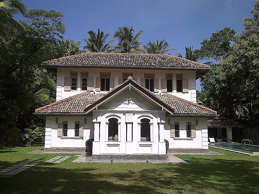 Sl92 old clove house a traditional sri lankan house with for Old traditional houses