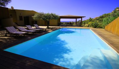 Detached modern villa in a panoramic position, private pool in natural garden (8 people)