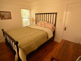 Long Beach bungalow photo - Queen Mattress with Comfy Pillow-top--More Windows--Glass Doorknobs--Charming!