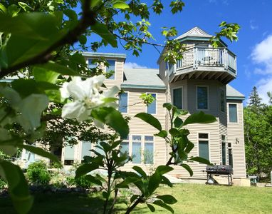 Spacious  6 Bedroom Heirloom Orchard House Near The Shore And Acadia