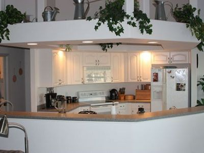 The open kitchen, completely equipped