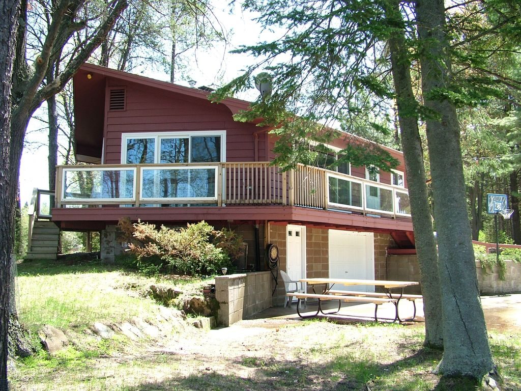 Fish tale cottage on castle rock lake homeaway for Fish rock rentals