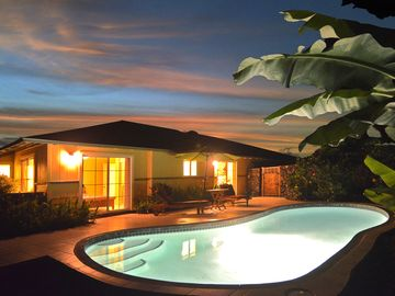 Kailua Kona house rental - Dramatic View Of The Private Pool at Night