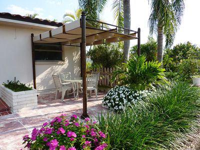 Boca Raton house rental - West side of patio