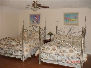 Gulf Shores house photo - Two Queen beds / Private bath/Direc TV