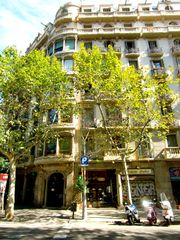 Eixample apartment photo - Elegant Modernista building. Outside view